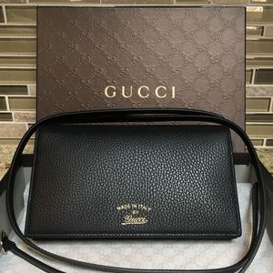 New- Authentic Gucci Swing Dollar Bag with Box